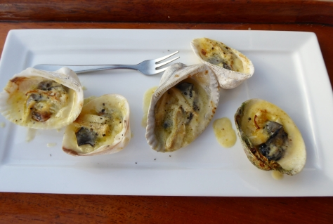 Grilled cheesy oysters