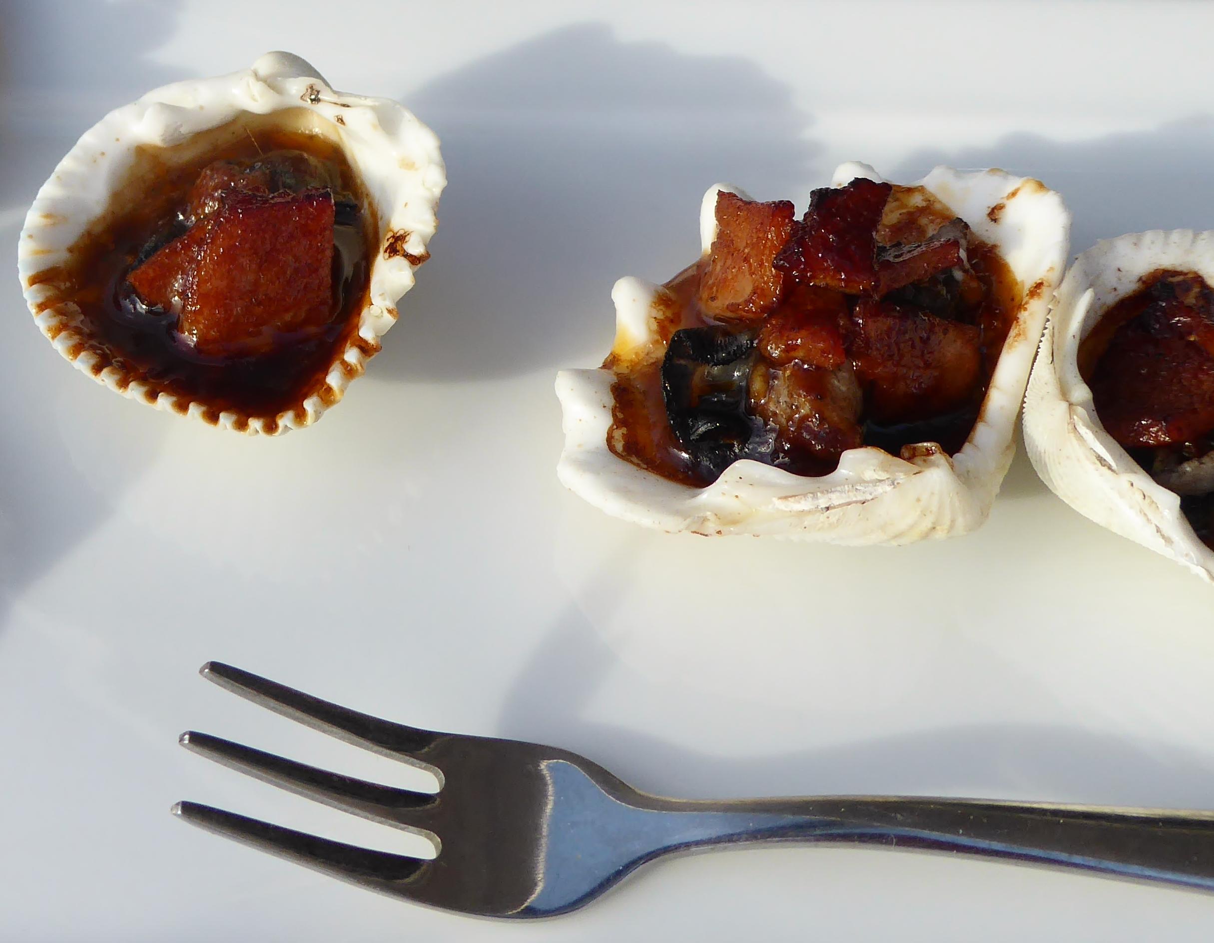 Oysters Kilpatrick, bacon