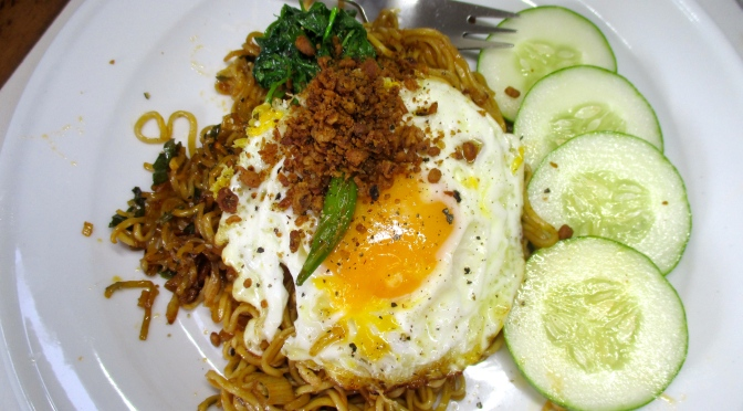 Yummy cheat's mie goreng, fried noodles and egg