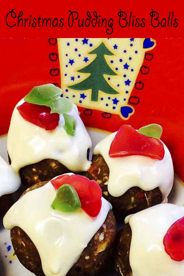 Christmas Pudding Bliss Balls #almondmeal #fruitmince #cointreau #gojiberries #recipe #blissballs #christmas #food