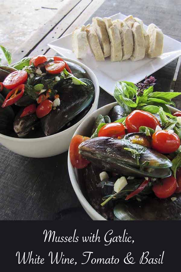 Mussels with White Wine, Garlic, Tomato and Basil #recipe #chilli #tomato #wine #mussels