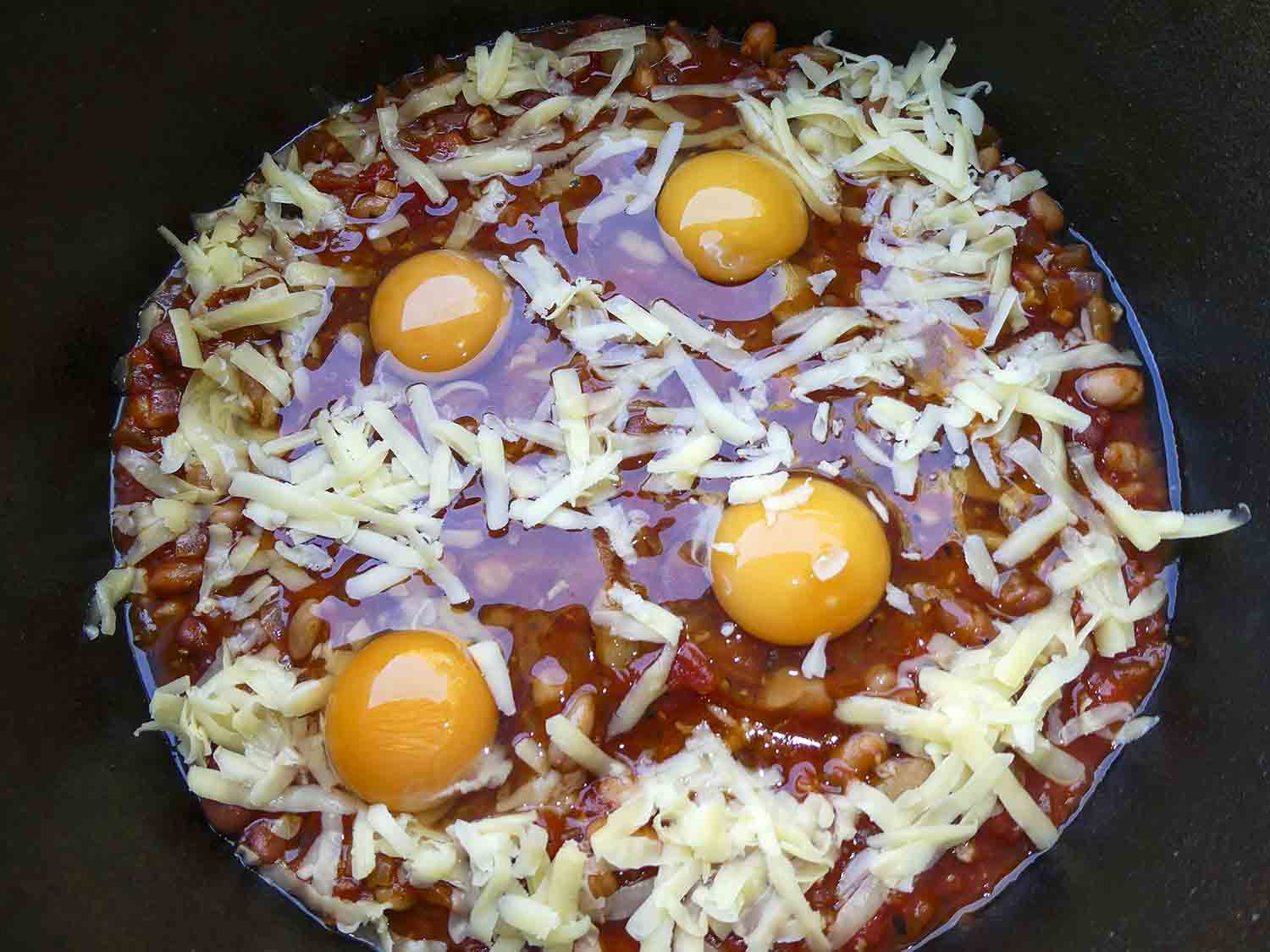 tomato eggs and beans