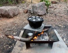 Camp oven, fire pit, heat beads